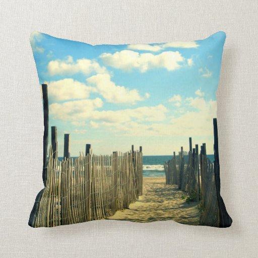 Almohada de la trayectoria de la playa