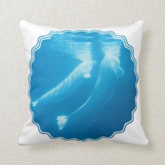 Almohada de las ballenas de la beluga