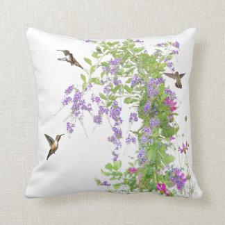 Almohada de las flores de los colibríes