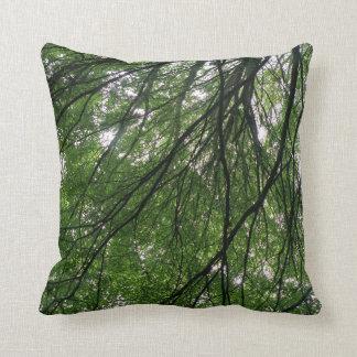 Almohada de las ramas y de las hojas