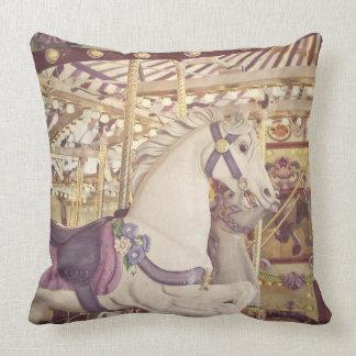 Almohada de los caballos del carrusel - decoración