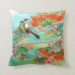 Almohada de los flores del colibrí y del naranja
