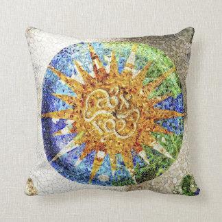 Almohada de los mosaicos de Guell del parque