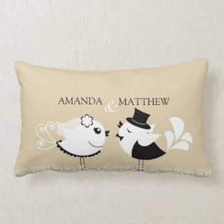 Almohada de los pájaros de novia y del novio del
