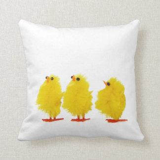 Almohada de los polluelos del bebé de Pascua