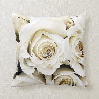 Almohada de los rosas blancos cojín decorativo
