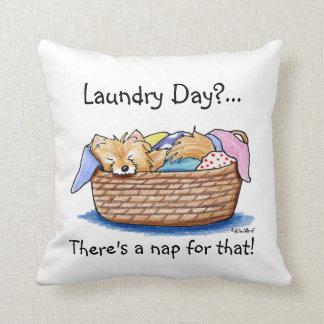 Almohada de Pom del día del lavadero