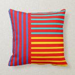 Almohada de tiro amarilla azul roja de la raya
