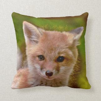 almohada de tiro astuta de la foto con el zorro