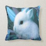 Almohada de tiro azul del conejito
