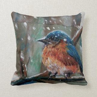 Almohada de tiro azul del pájaro del invierno