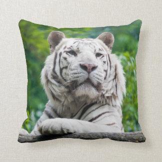 Almohada de tiro blanca del tigre