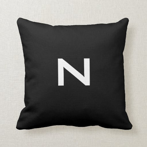 Almohada de tiro blanco y negro del dos-tono