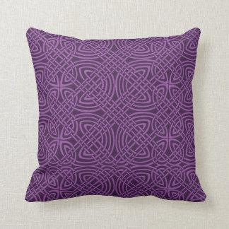 Almohada de tiro céltica púrpura hermosa del