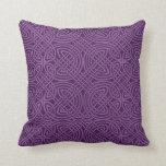 Almohada de tiro céltica púrpura hermosa del diseñ