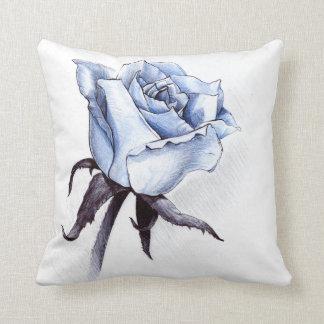 Almohada de tiro color de rosa azul