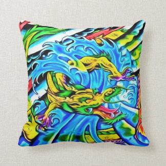 Almohada de tiro colorida del dragón