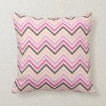 Almohada de tiro con el modelo gris rosado del gal