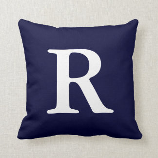 Almohada de tiro con monograma blanca de los azule