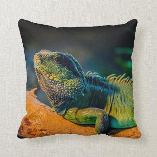 Almohada de tiro cuadrada de la iguana