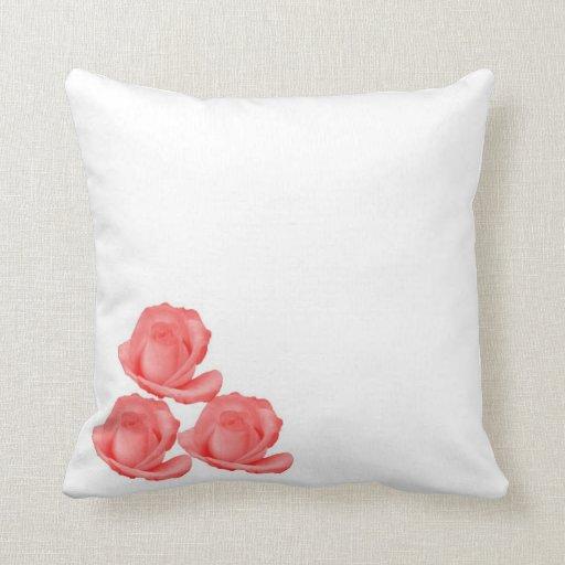 Almohada de tiro de 3 rosas rojos