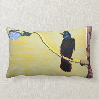 Almohada de tiro de cacareo del cuervo