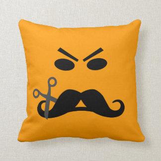Almohada de tiro de encargo sonriente del bigote e