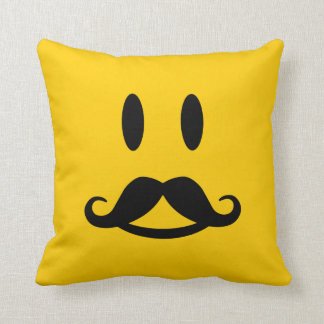 Almohada de tiro de encargo sonriente del bigote f