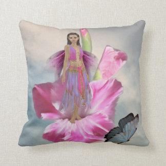 Almohada de tiro de hadas rosada