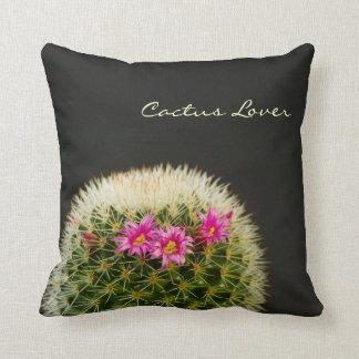 Almohada de tiro de la flor del cactus
