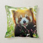 Almohada de tiro de la panda roja