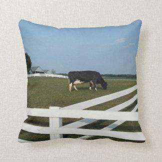 Almohada de tiro de la vaca lechera