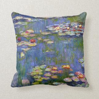 Almohada de tiro de los lirios de agua de Monet Cojín Decorativo