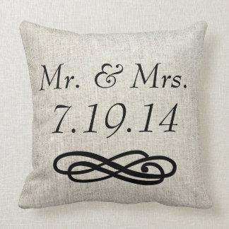 Almohada de tiro de Sr y de señora Wedding Linen
