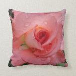 Almohada de tiro decorativa color de rosa