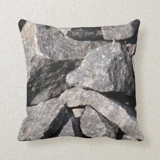 Almohada de tiro decorativa de la roca áspera