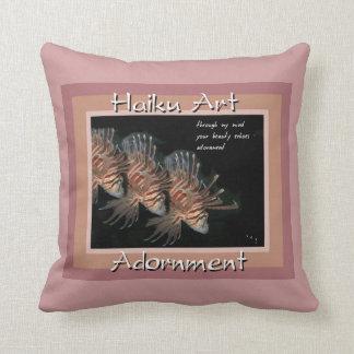 Almohada de tiro del cabracho del arte del Haiku