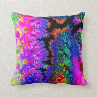 Almohada de tiro del fractal del teñido anudado