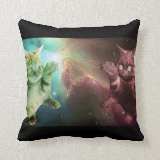 Almohada de tiro del gato del espacio