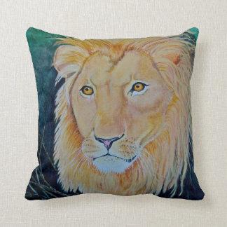 Almohada de tiro del león del orgullo del gato