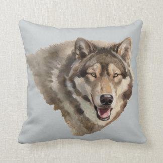 Almohada de tiro del lobo gris
