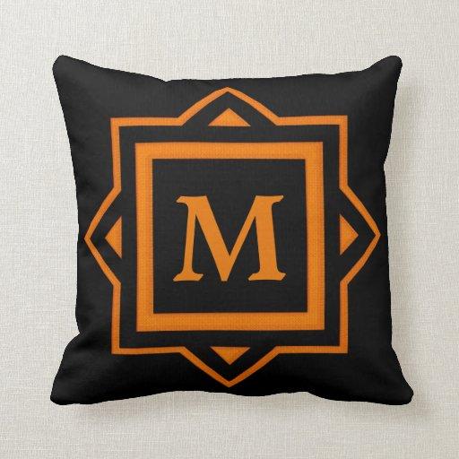 Almohada de tiro enmarcada del monograma