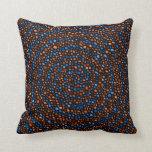 Almohada de tiro espiral azul y anaranjada del cír