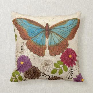 Almohada de tiro floral de la mariposa de la flor