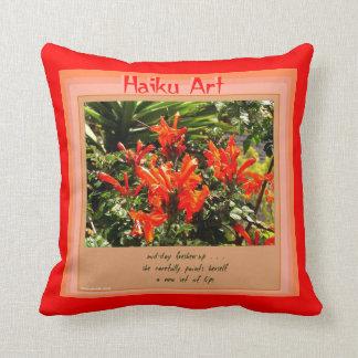 Almohada de tiro floral del arte del Haiku