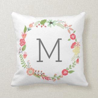 Almohada de tiro floral elegante del monograma