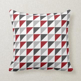 Almohada de tiro geométrica roja y gris