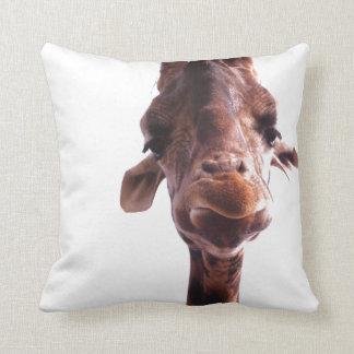 Almohada de tiro gruñona de la jirafa