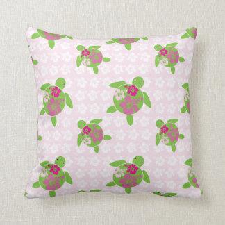 Almohada de tiro hawaiana rosada de Honu (tortuga
