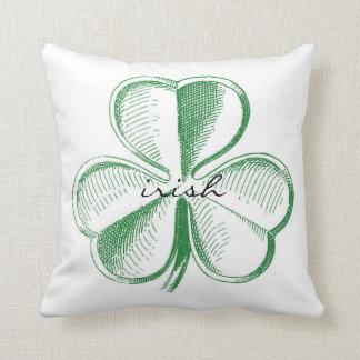 Almohada de tiro irlandesa del trébol
